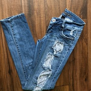 Ripped style skinny jeans